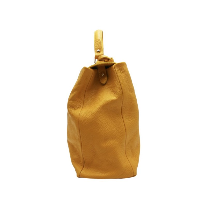 Leather bags with pendants for online wholesale